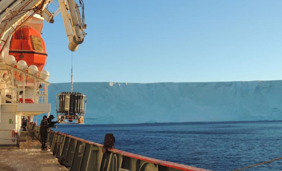 Die Studie, die während einer Fahrt an Bord des BAS-Schiffes James Clark Ross durchgeführt wurde, benutzte Hochpräzisionsinstrumente, um die kleinsten Turbulenzen im Wasser nachweisen zu können. Bild: Universität Southampton