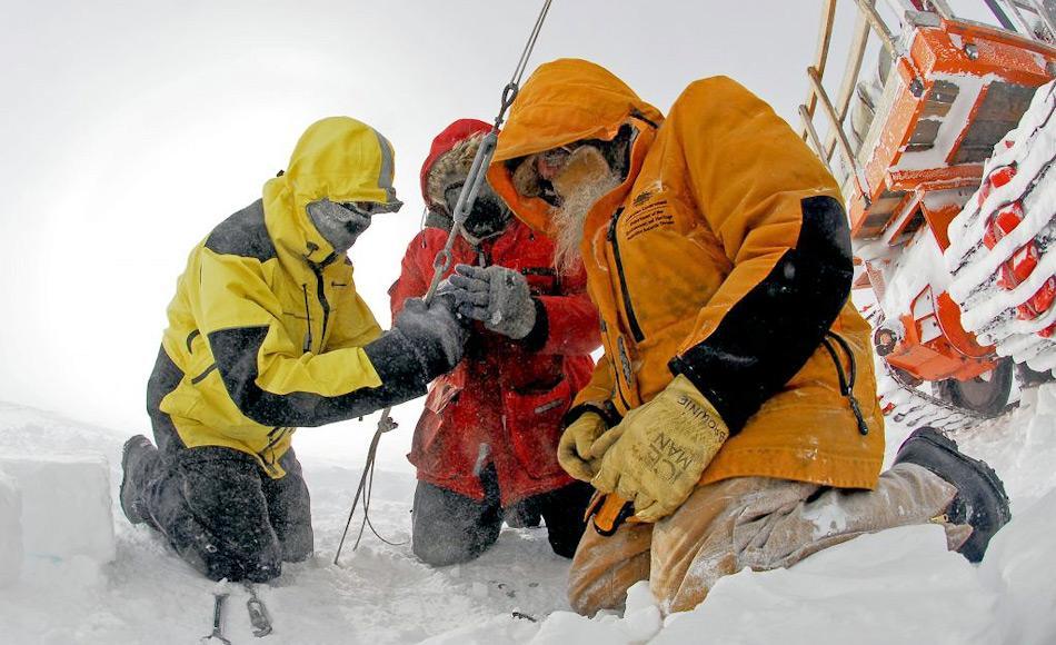 Viele der Stationen in Antarktika sind das ganze Jahr bemannt, am häufigsten aber im Sommer. Viele der dort Arbeitenden sind Wissenschaftler mit wenig Erfahrung im Umgang mit polaren Sommern und beklagen daher häufig Schlafstörungen. Bild: Australian Antarctic Divison
