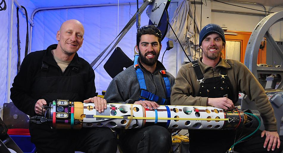 Die drei Entdecker mit dem Roboter, den sie dazu benutzten. © Frank Rack, University of Nebraska - Lincoln
