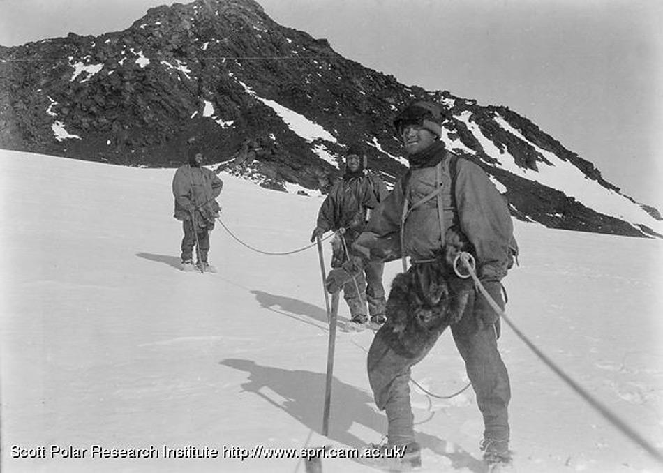 Die Männer der Erebus Erstbesteigung waren ein Teil der Mannschaft die von Scott an der Landestelle zurückgelassen wurden.