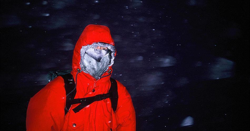 Extreme Kälte, schlechtes Wetter und Dunkelheit verlangen ein Höchstmass an Anpassungsfähigkeit von allen, die auf einer Station überwintern. Daher ist eine sorgfältige psychologische Untersuchung im Vorfeld sehr wünschenswert. (Bild: Katja Riedel)