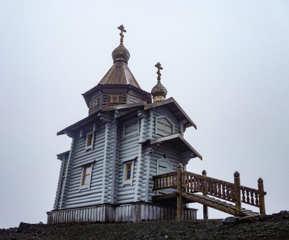 Die Dreifaltigkeitskirche der russischen Bellinghausen Station. (Foto: Katja Riedel)