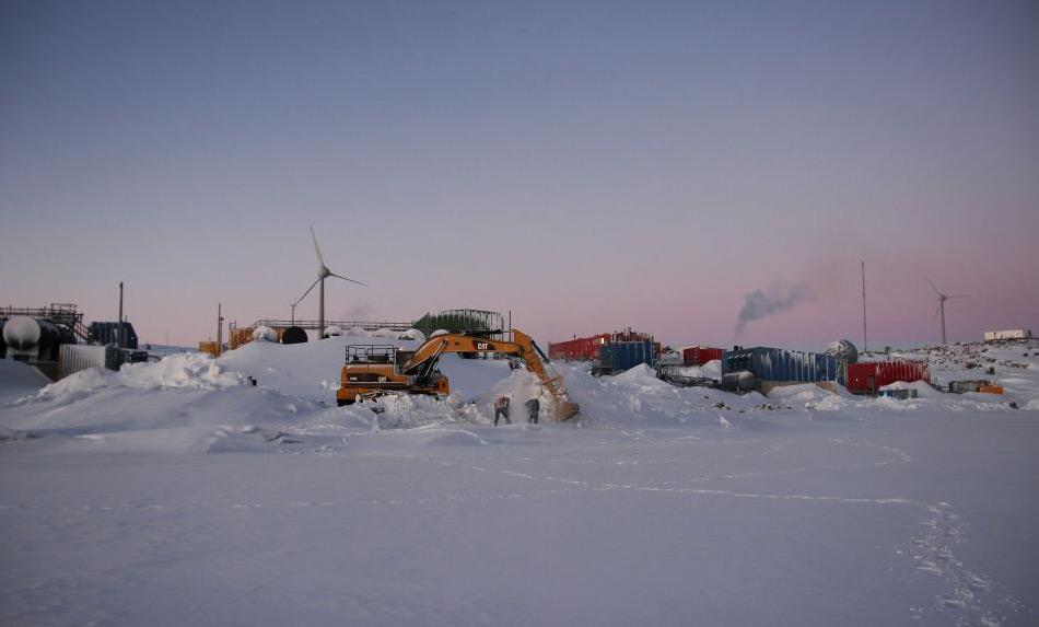 Die australische Antarktisstation Mawson liegt im Mac Robertson Land von Ostantarktika und ist die älteste australische Basis. Ausserdem ist es auch die am längsten dauerhaft besetzte Basis südlich des Polarkreises. Im Winter leben hier rund 20 Menschen. Bild: Shane Ness