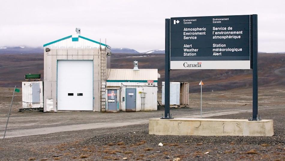 In Alert, Nunavut, hat bisher die nördlichste MEssstation seit über einem halben Jahrhundert wertvolle Daten geliefert. Nun kann sie nicht mehr ausreichend besetzt werden aufgrund finanzieller Überlegungen von Seiten des Meteorologischen Service Kanada. Bild: Paul Chiasson, Canadian Press