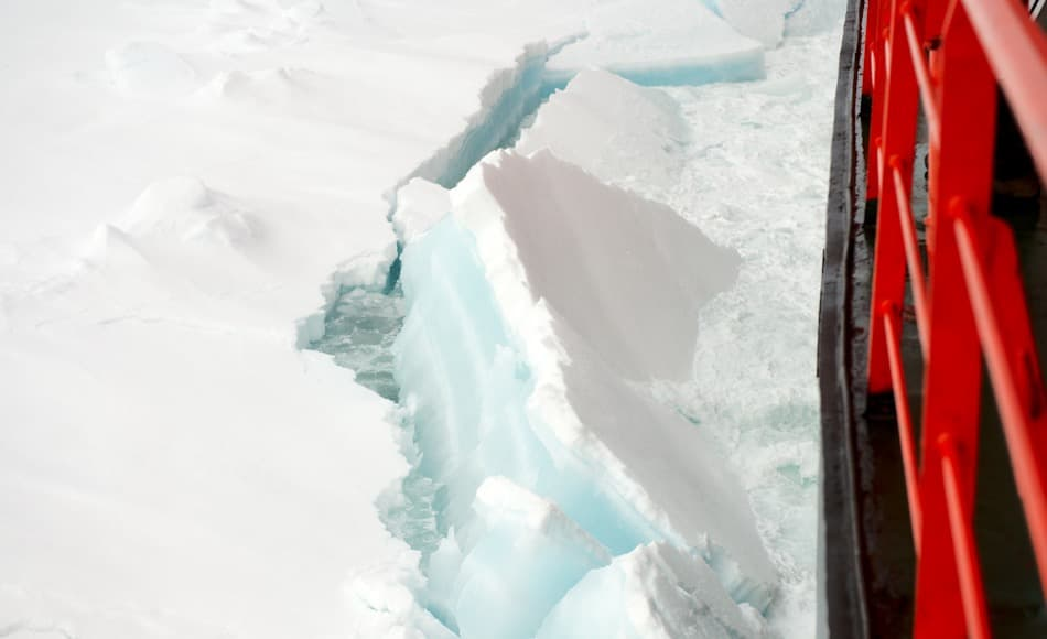 Die gegenwärtige Dicke des arktischen Meereises variiert enorm, je nach geographischer Lage. In Richtung Nordpol kann das Eis immer noch zwischen2 und 3.5 Meter dick werden. Bild: Michael Wenger