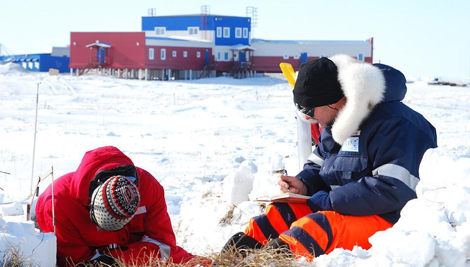 Ausmessen eines Schneeprofils