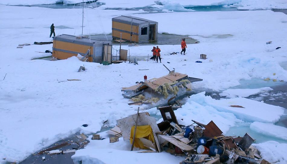 Schon früher, im Sommer 2004 musste die Drifteisstation «Nordpol-32» wegen instabilem Eis evakuiert werden.