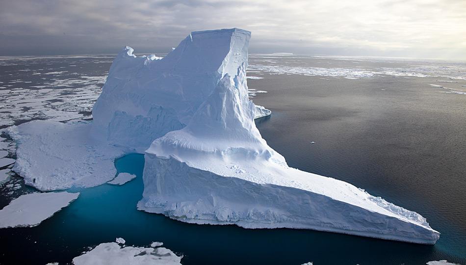 Eisberge faszinieren noch heute, auch wenn diese nicht mehr die Grösse früherer Zeiten haben. Bild: Frank Rödel, AWI