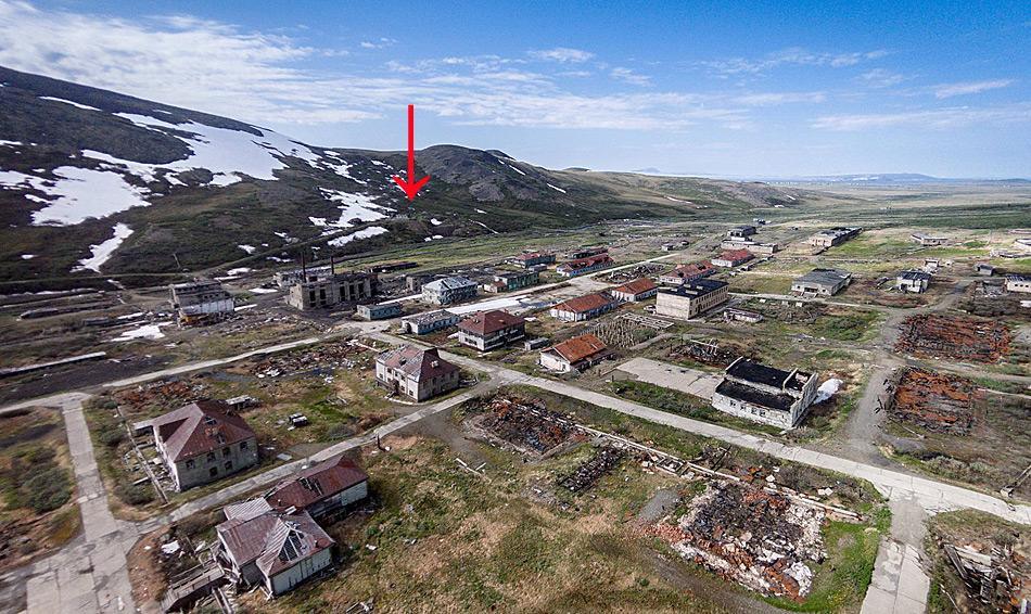 Gut versteckt liegt oberhalb des Verwaltungsortes von Gudym einer der Eingänge zum Tunnelsystem. Foto: Alexander Belenkiy