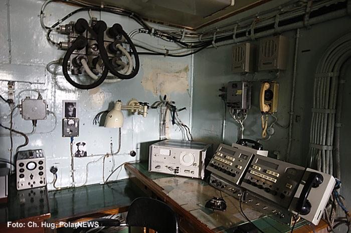 010-Eisbrecher-Lenin-Funkraum
