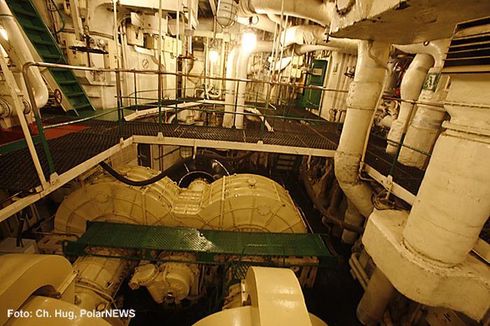 013-Eisbrecher-Lenin-Motorenraum