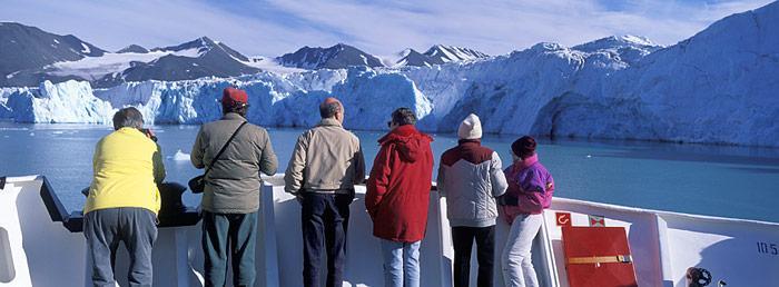 Touristenschiff in Spitzbergen