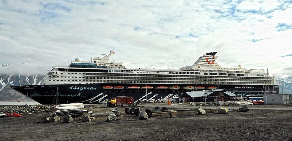 Bald ist es fertig mit der Ruhe im hohen Norden. Der Hafen von Lonyearbyen soll nach Plänen der Regierung in Oslo den neuen Bedürfnissen angepasst werden.
