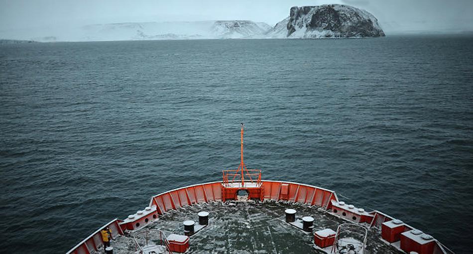 Neben dem Luftabwehrsystem baut Russland neue Eisbrecher und U-Boote.
