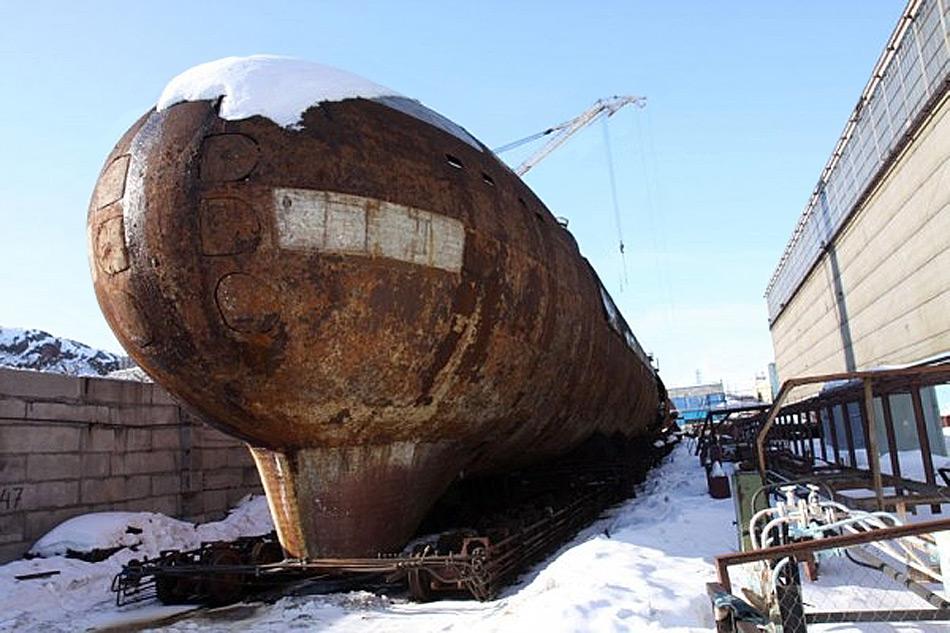 Die Bewaffnung der «Krasnador» bestand aus 24 Startbehälter und 6 Torpedorohre, welche auf dem Bild gut zu erkennen sind.